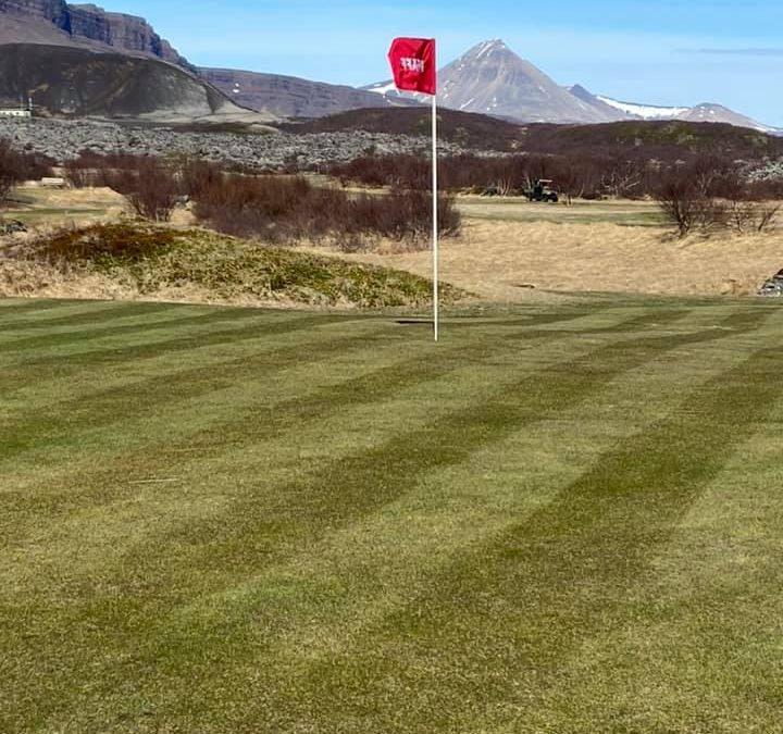 Golfvöllurinn Glanni hefur opnað og er í mjög góðu standi. Sannarlega fallegt umhverfi 👍